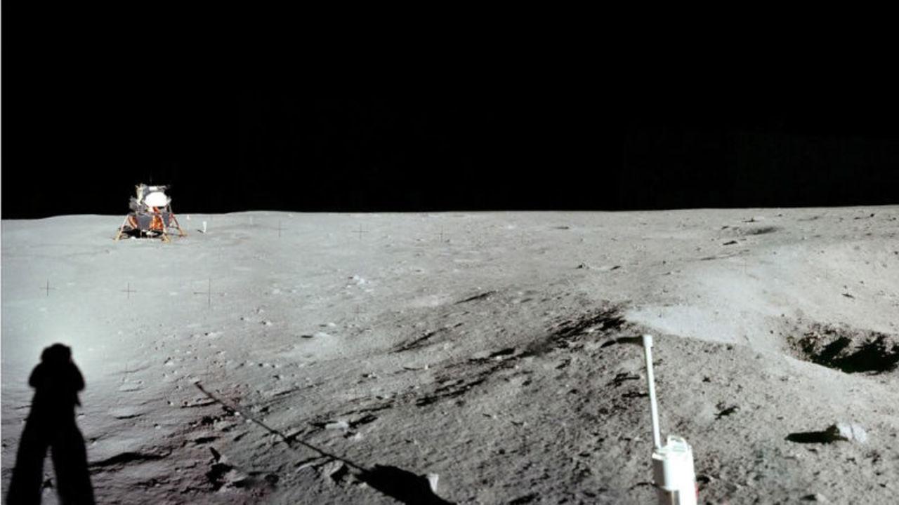 月はかつて生命が存在できる環境だったかもしれない、と科学者が推測