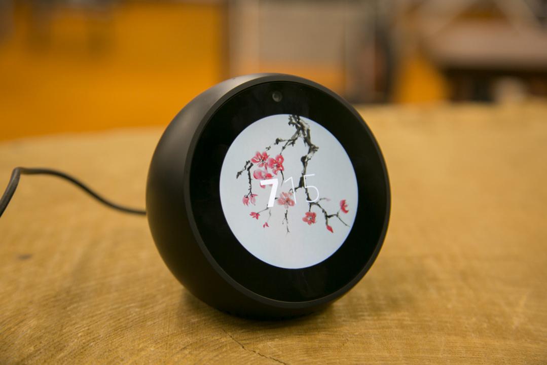 「Echo Spot」って何ができるの? 電源をつけてから操作できること