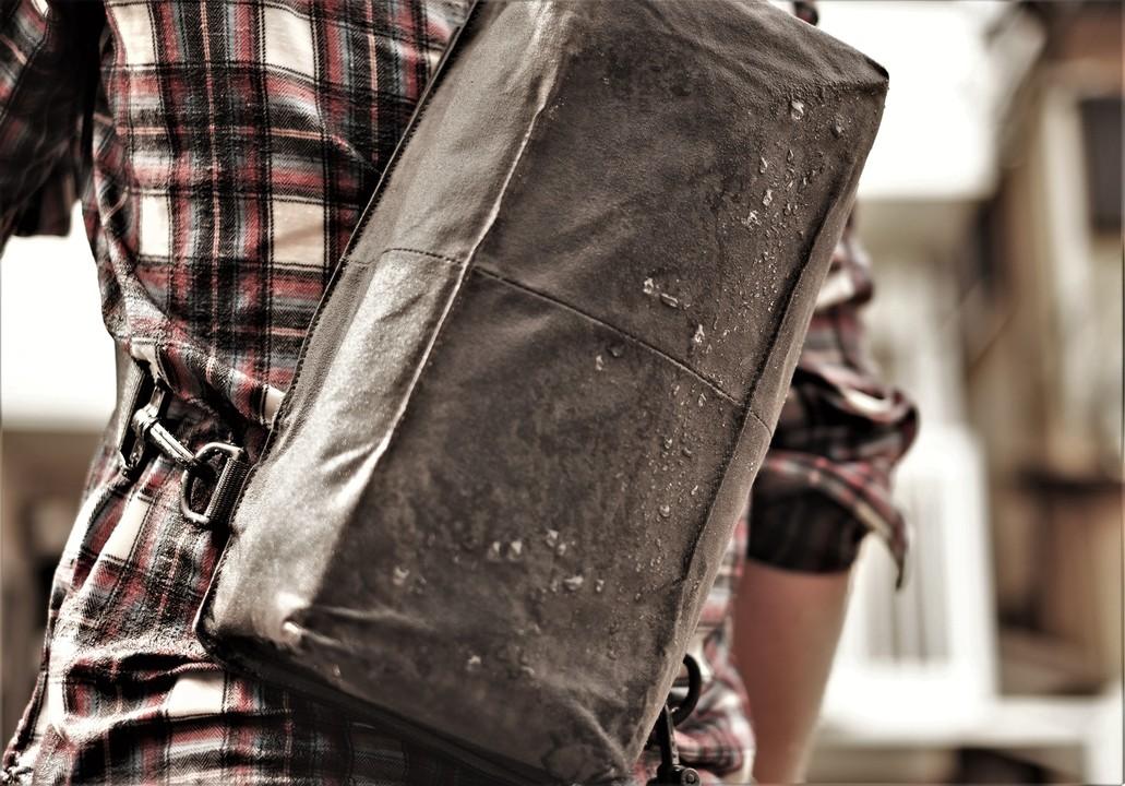 防水バッグの防水性が知りたい?じゃあ雨に降られてみよう