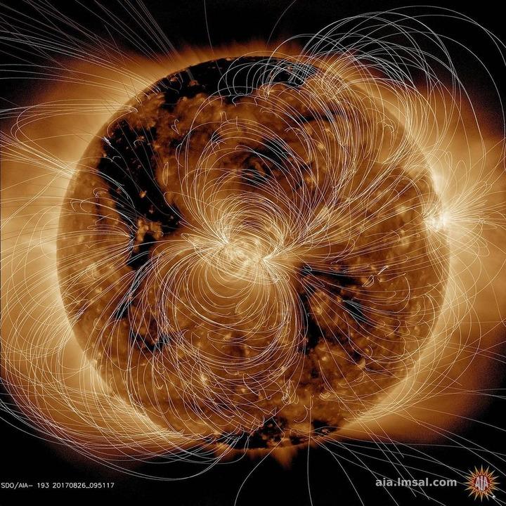 NASAが2018年8月10日に太陽が放出した磁場をCGで描く