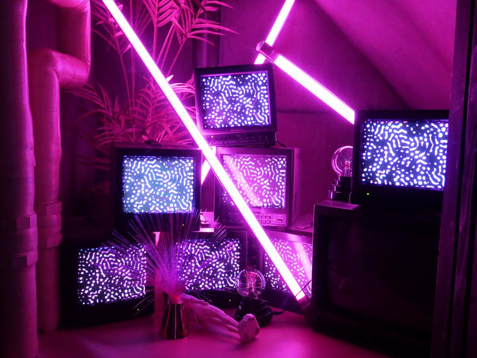 ARもプロジェクション・マッピングもぜーんぶピンク。テクノロジー×アートなイベントが表参道で開催中