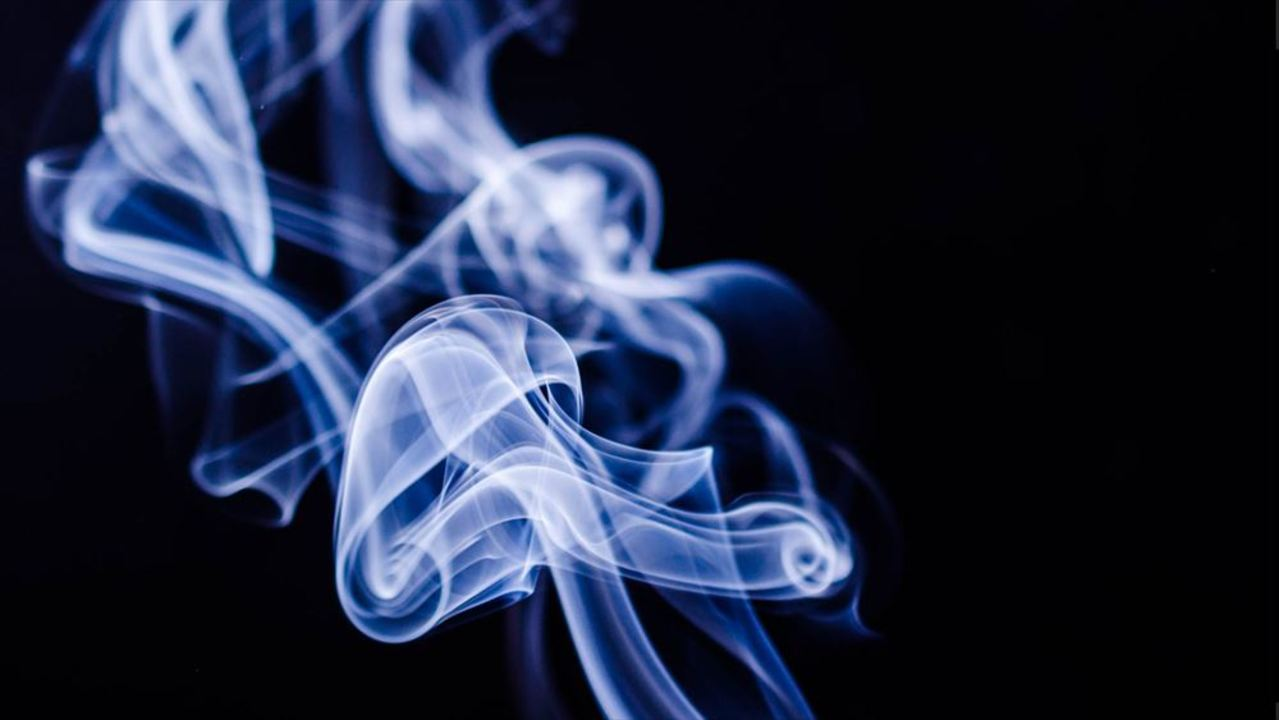 あるはずのない煙の臭いがする幻...