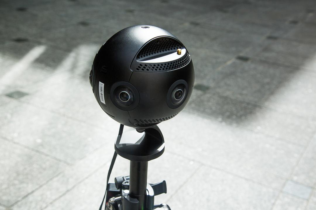 コンデジの未来、此処にあり。6つの目玉でギョロッと捉える、8K 360°カメラ「Insta360 Pro 2」