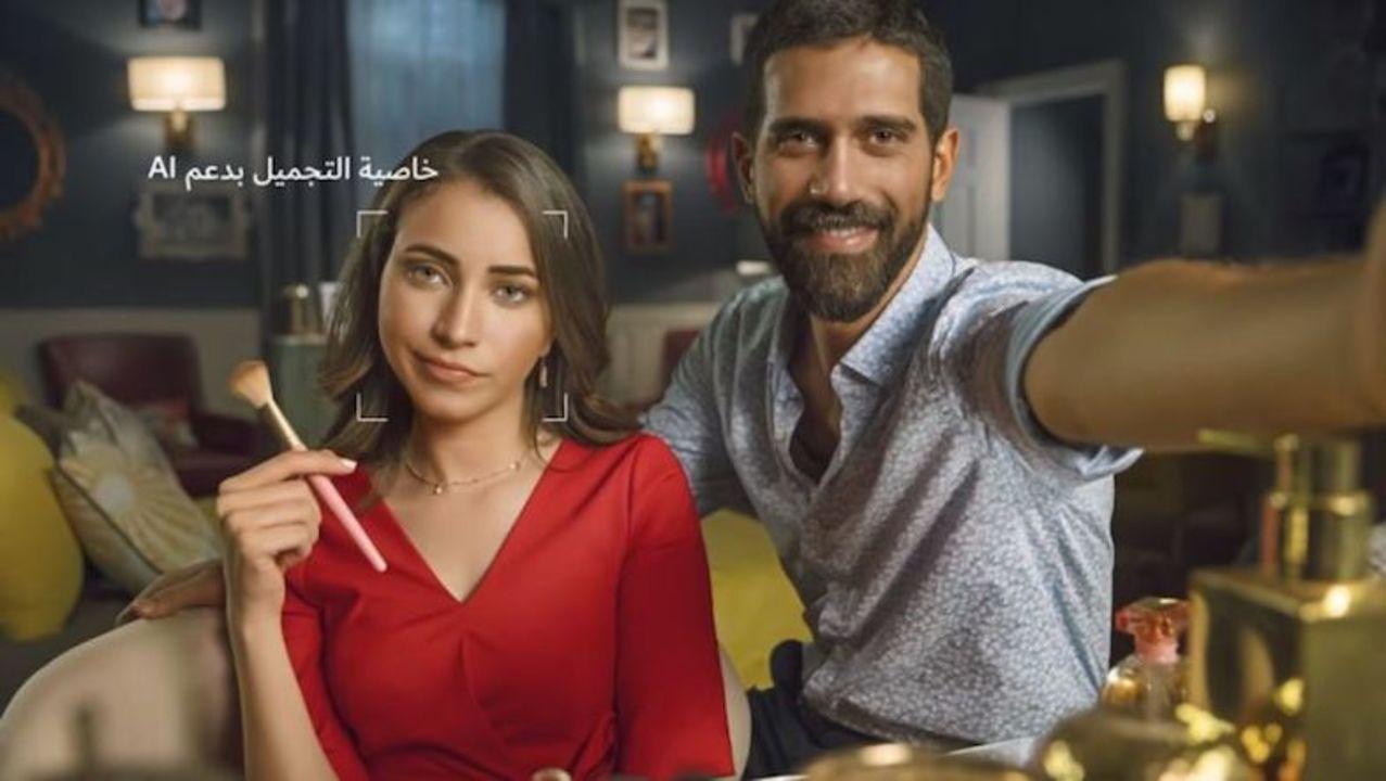 Huawei「Nova 3」の広告で使ったセルフィー画像、実は一眼レフで撮影していたことがバレる