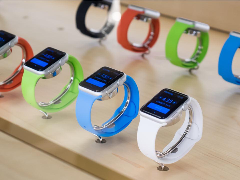 新Apple Watch、くるんじゃない?海外ストアで専用バンドが大量欠品