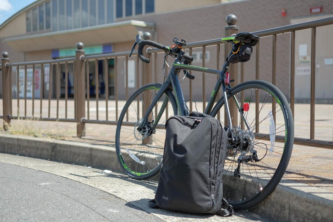 自転車通勤で使ってみた!英国発のコミューターバックパック「Stolt Alpha」