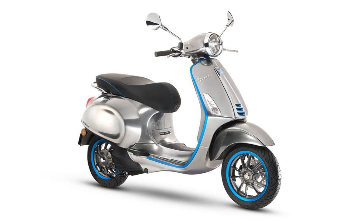 VespaのEVスクーター、とにかく静かなモーターとメタリックボディが未来感!