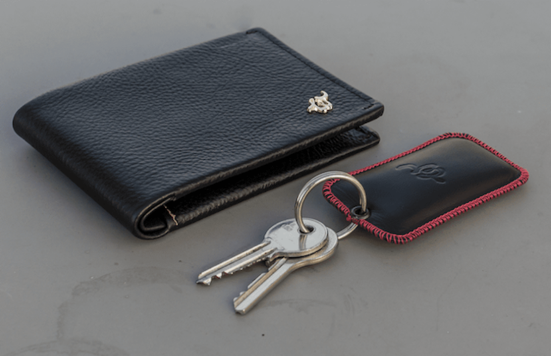 【読者限定セールも開催】盗難・紛失防止機能付き。スマホとつながる薄型財布「Woolet」