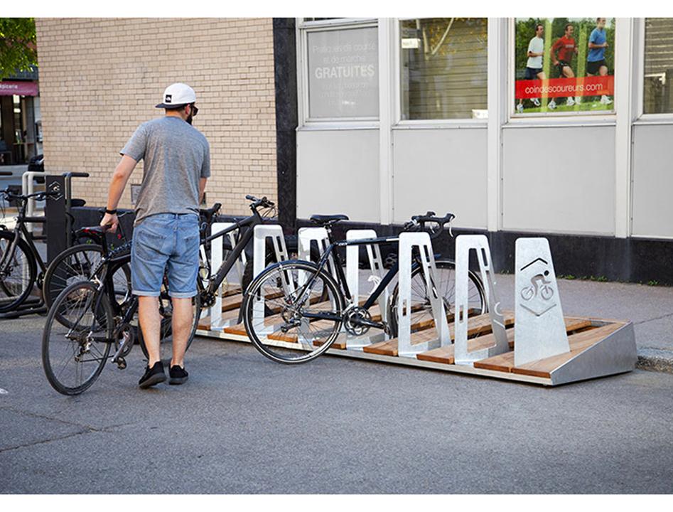 デザイン大事だけど、わかるけど…カナダの自転車置き場、莫大な費用に市民お怒り