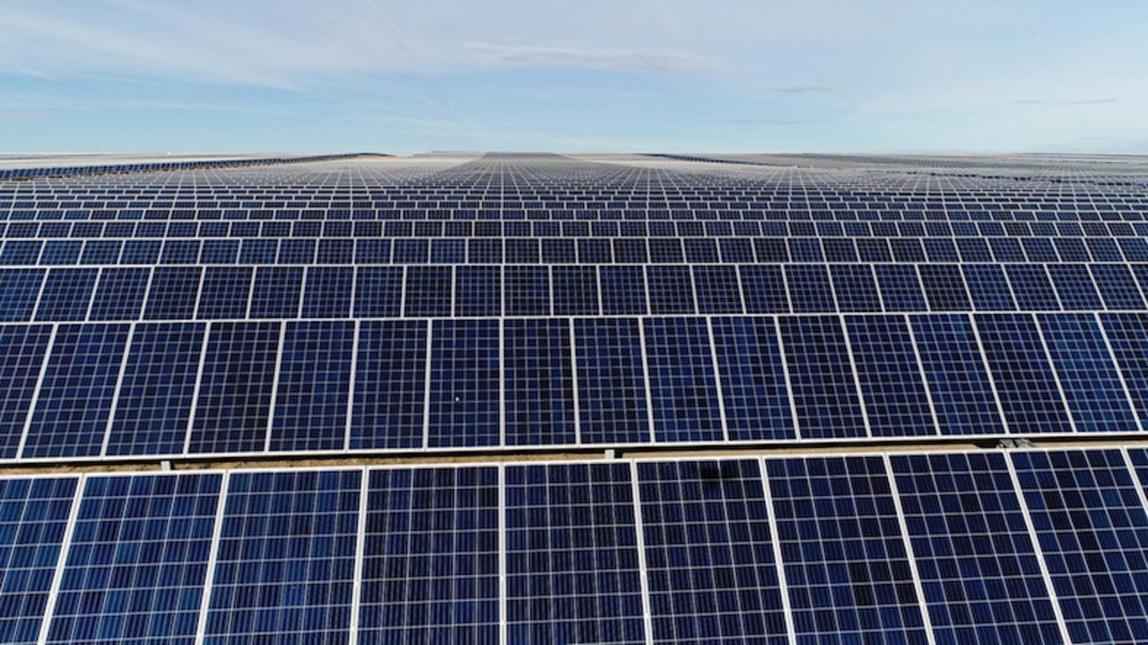 環境には優しいFacebook、2020年までに全データセンターの100%再生可能エネルギー運用を目指す