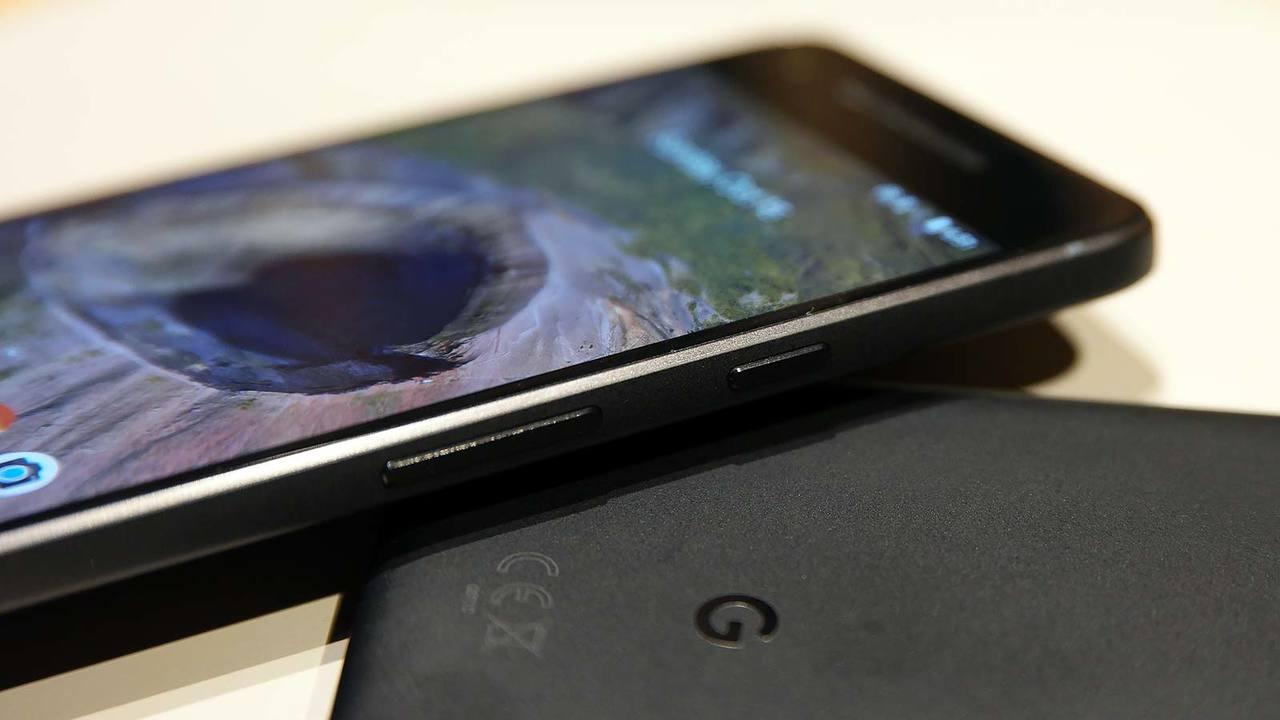 今度はPixel 3(小さいほう)の画像がリーク!ノッチなしで5.5インチに?