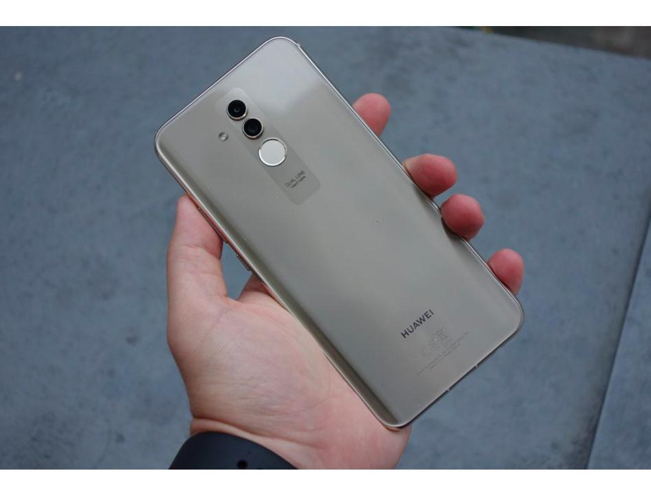 Mateもノッチノチ! Huaweiの「Mate 20 Lite」がお披露目。Mate 20/20 Proは10月16日に発表!