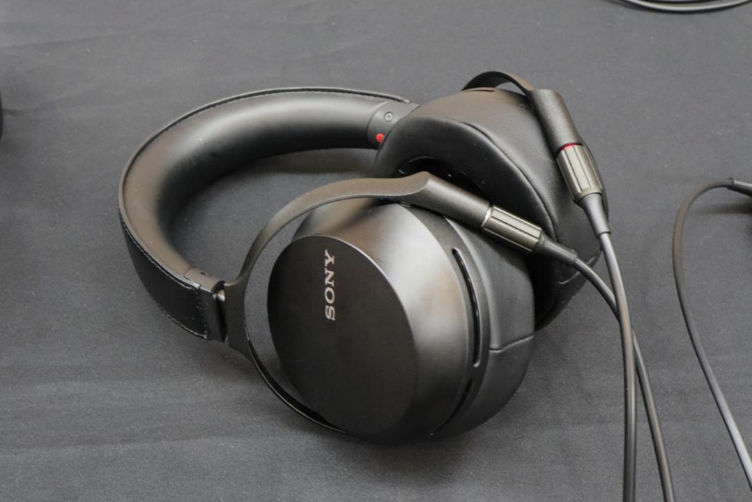 ソニー「MDR-Z7M2」「IER-M9/M7」ハンズオン:有線派にとっては選びきれないほどの贅沢サウンドをお届け