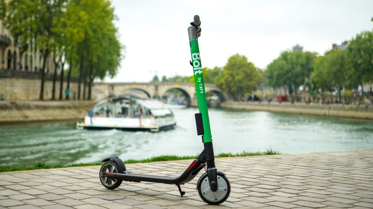 1分15セント。スマホでレンタルするeスクーター「Bolt」がパリでデビュー