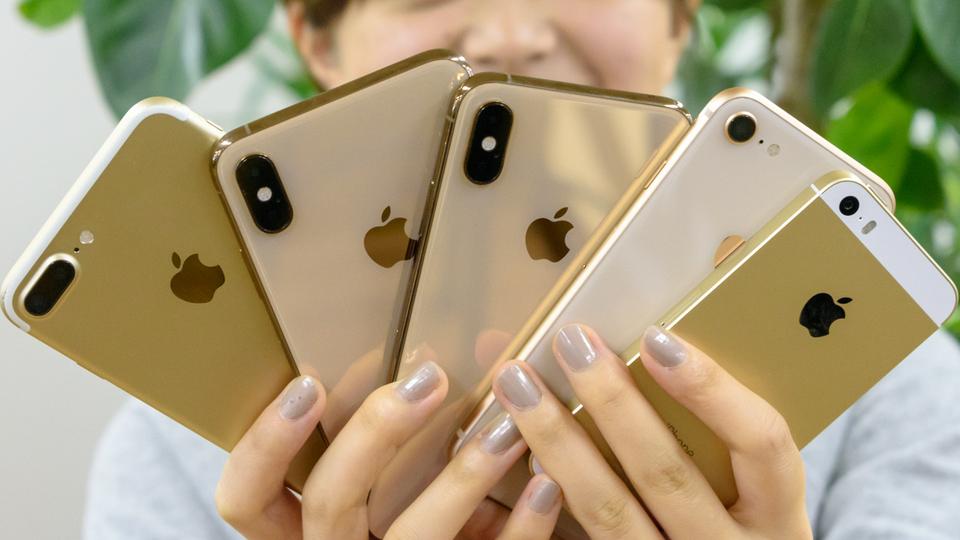 iPhone SEからMaxまでをずらりと並べて大きさを比較してみたら、iPhoneのゲシュタルト崩壊が起きた