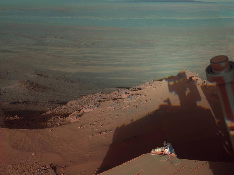 火星の嵐でいまだ眠りつづけている探査機へ、NASAが懸命に信号を送り続ける理由