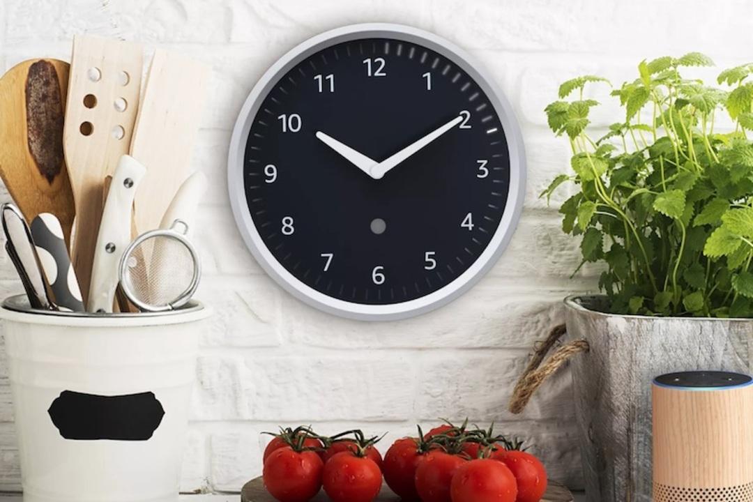 Echoシリーズ大量発表に乗じて、なんかAmazon製の時計もでてるんだけど?