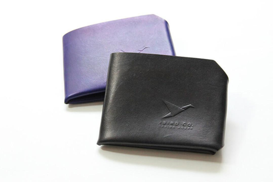 縫製も金具も使わない革100%のユニークな財布「Origami Wallet」