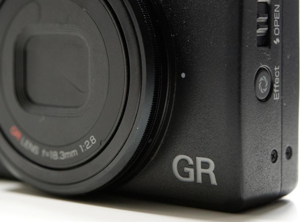 リコーの「GR III」はポケットに入る最高画質機になるか
