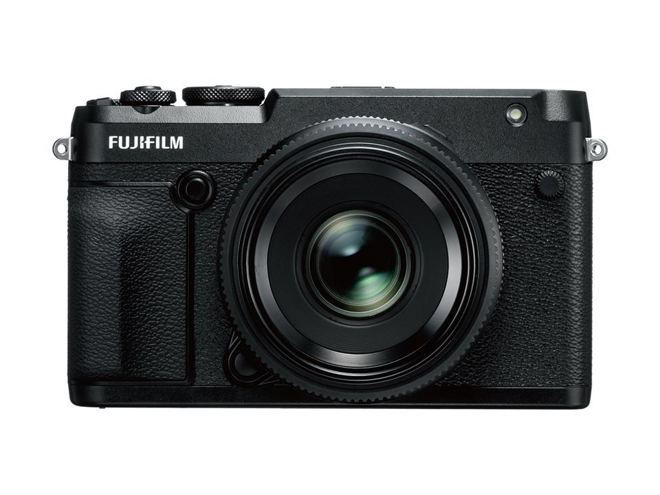これ、中判ミラーレスカメラなんだぜ。富士フイルム「GFX 50R」がとってもスクエア