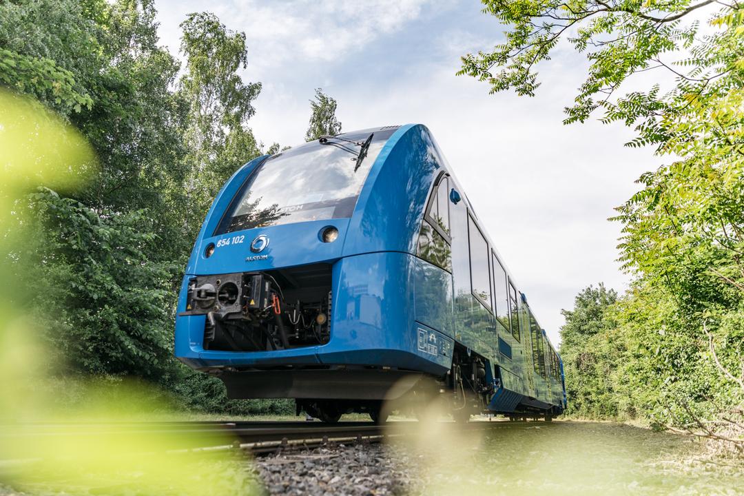 水素燃料電池車、ドイツでは地球に優しい電車として大活躍