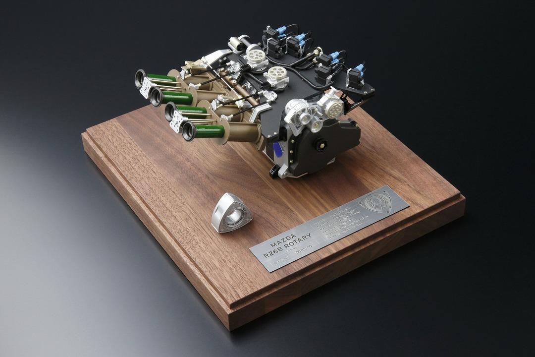 これはアガるぞ「マツダ787B」のロータリーエンジンの1/6ミニチュア