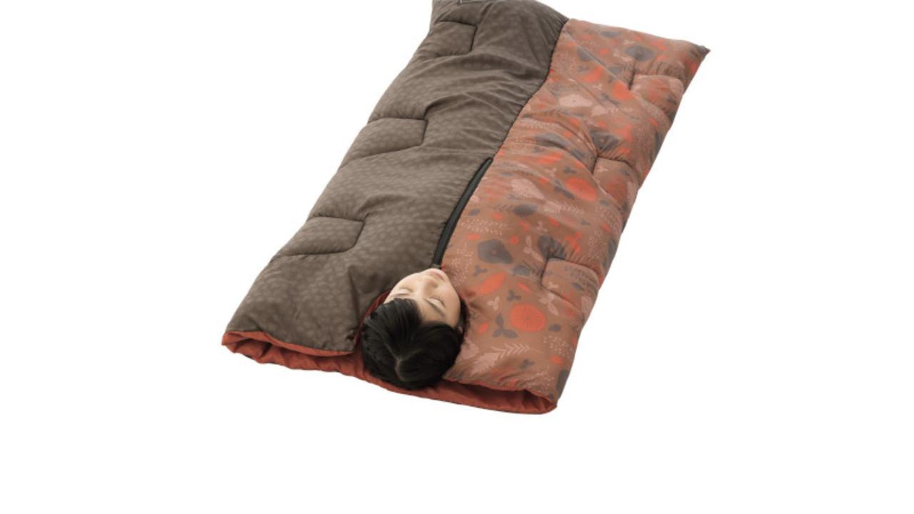 家族でのキャンプ、子ども用の寝袋は親子おそろいで使えるこれがいいかも!