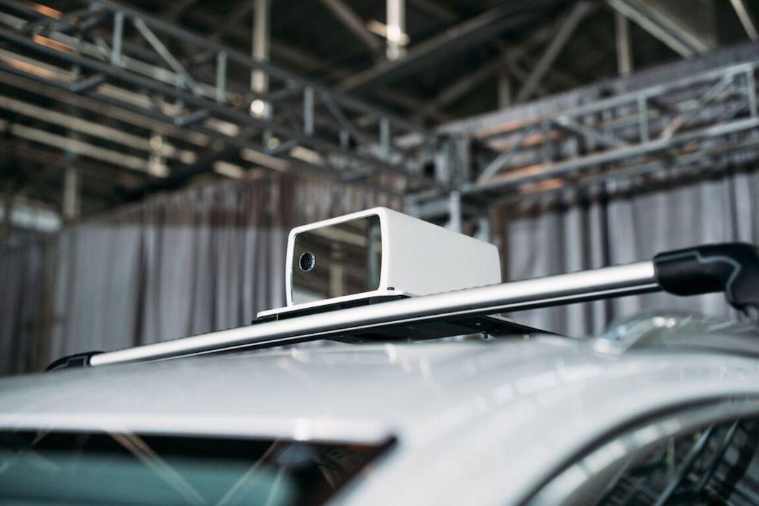元Apple社員たちによるスタートアップ、自動運転車のコンパクトセンサーを開発中