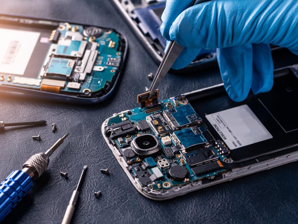 中国がマイクロチップでAppleらをスパイか。各社は報道を全力否定