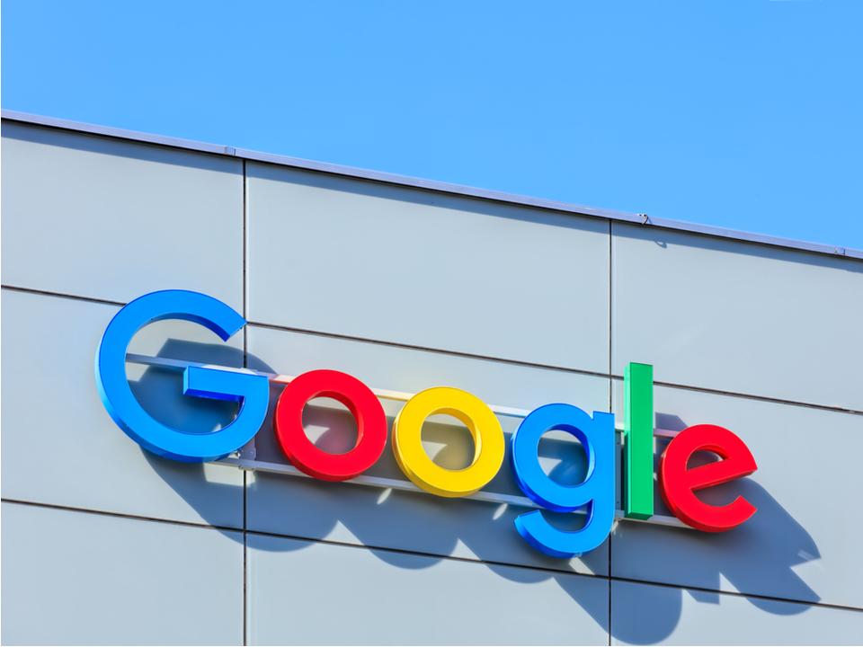 Google、Android用の自社アプリにライセンス料を設定。50億ドルの記録的罰金がGoogleを動かす