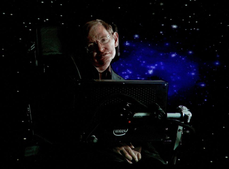 スティーブン・ホーキング博士の遺品がオークションに。車椅子やアニメの台本が出品される