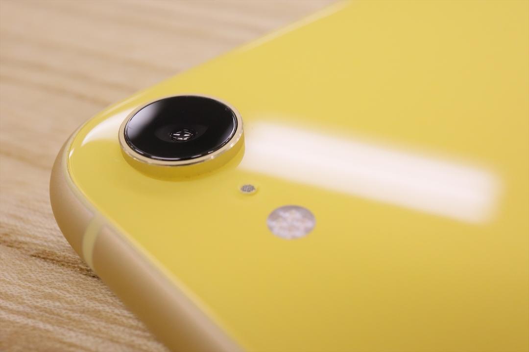 好み別れるシングルカメラ。iPhone XRのポートレートモードはXSよりも、寄れる!