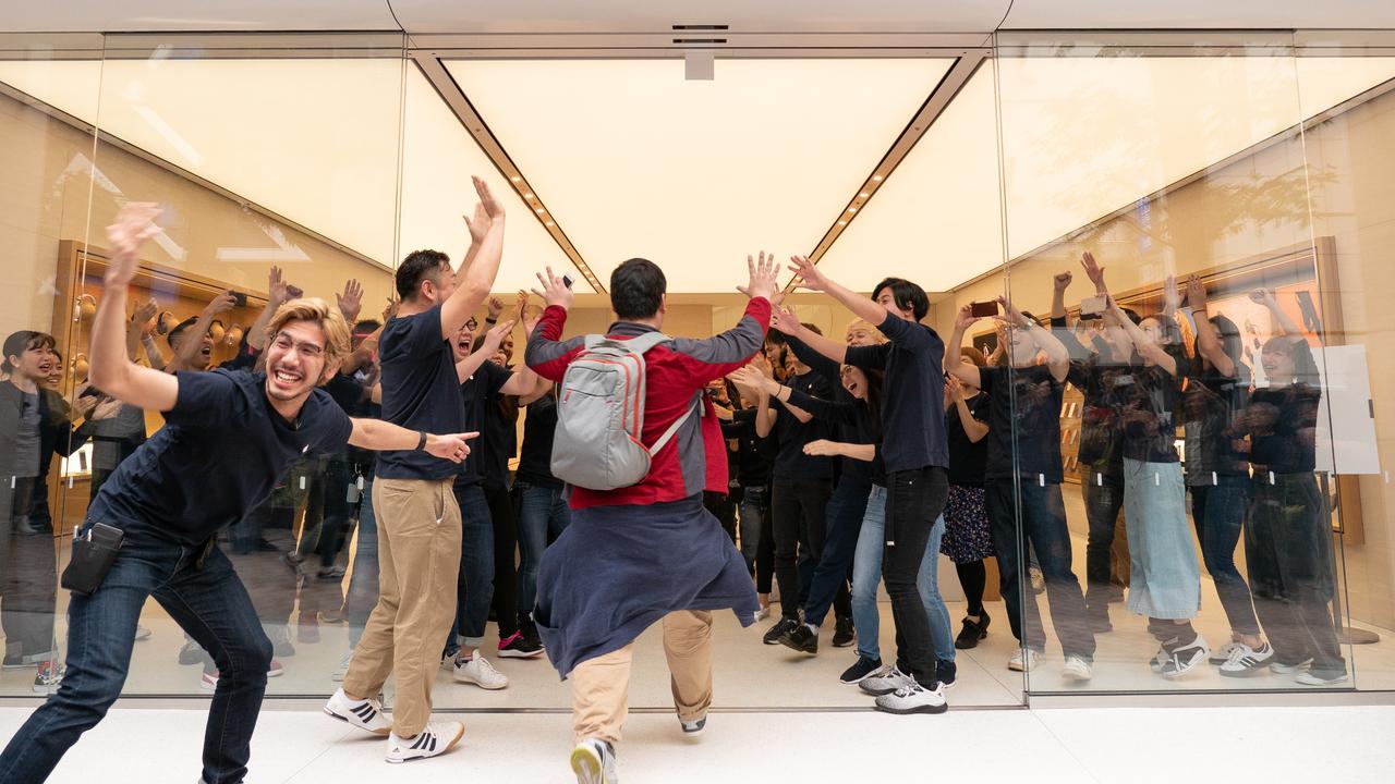 700人の行列。Apple 渋谷が本日リニューアルオープン!