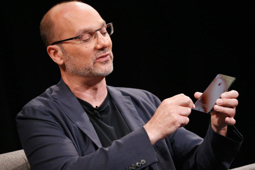Androidの父、実はセクハラ辞任。なのにGoogleは退職金を毎月2億円ずつ4年間!
