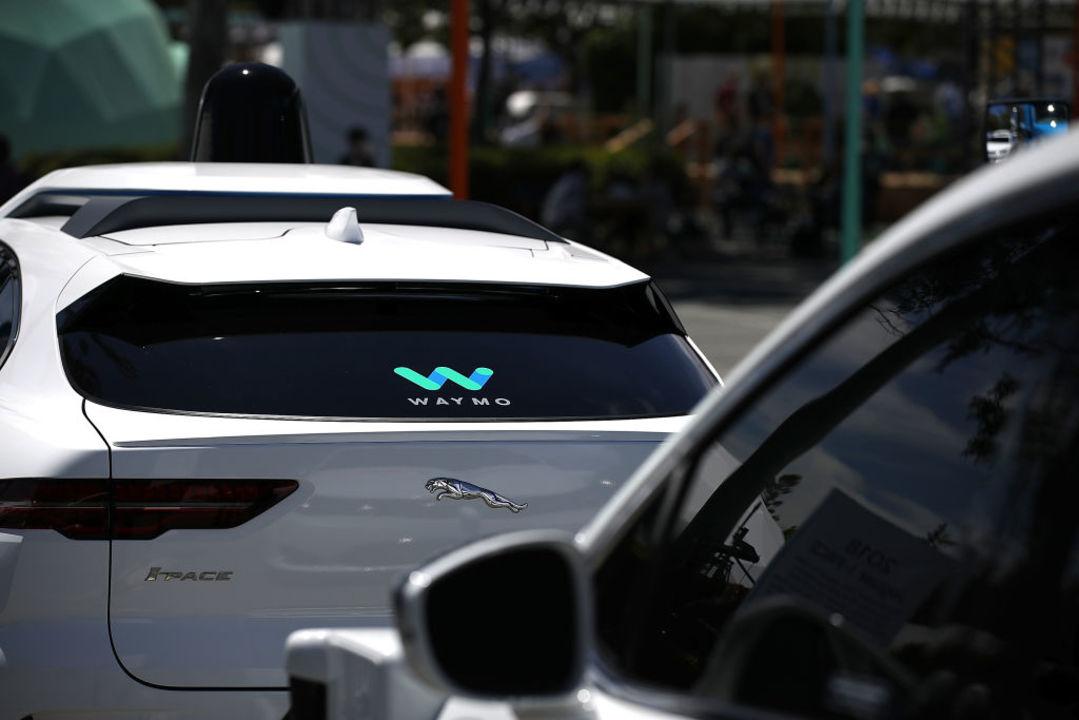 ついに公道へ。Waymoがカリフォルニアで無人自動運転の許可を得る