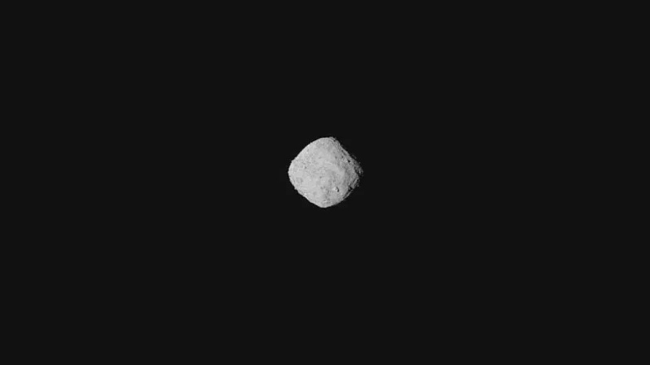 到着間近! NASAの宇宙探査機オシリス・レックス、小惑星「ベンヌ」の写真撮影に成功