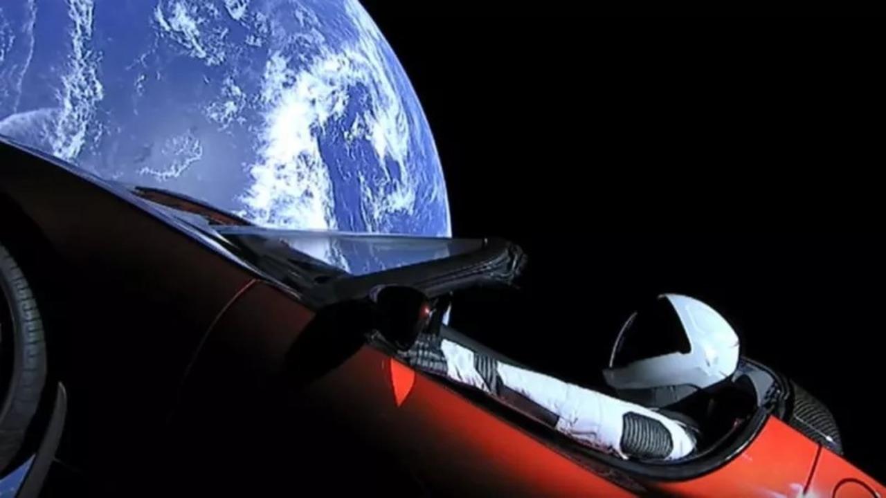 火星へ向かったTeslaとスターマンは今いづこ? &その行く末