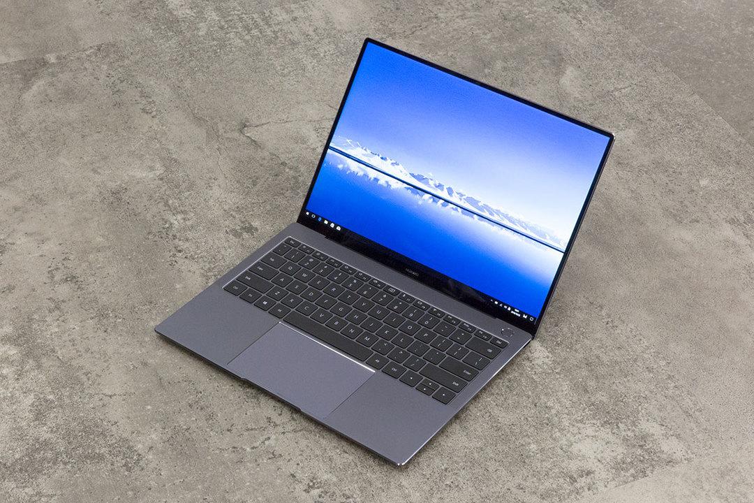 優等生に見えてキャラ立ってる。HUAWEI MateBook X Proはデザインもサウンドもキラリと光るノートPC