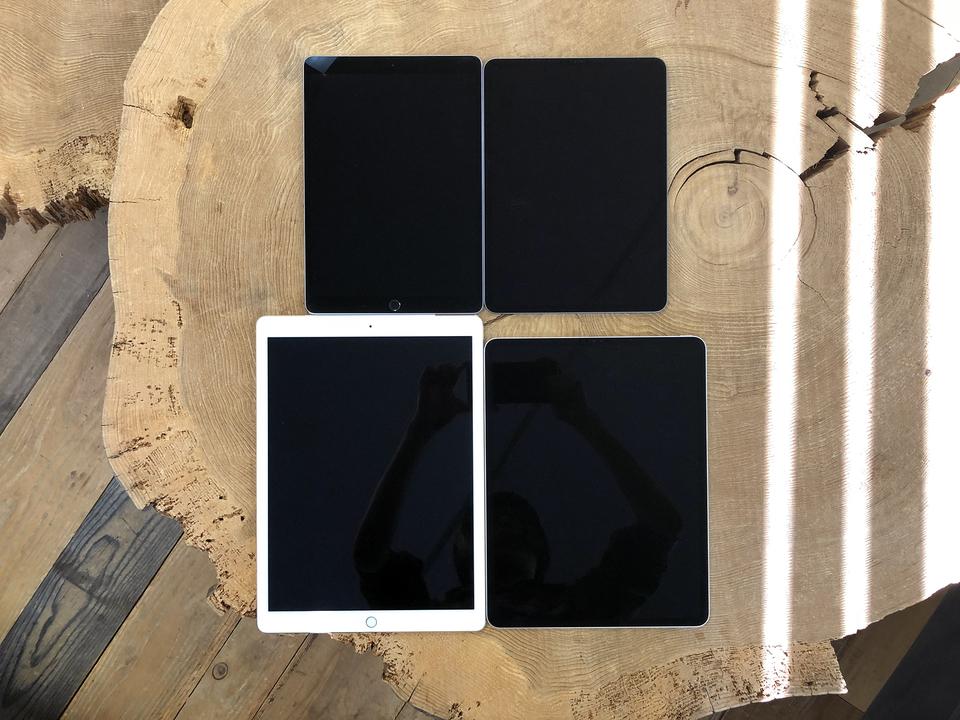 新旧iPad Pro厚み比較。注目は12.9インチのスリム化とベゼルの曲率