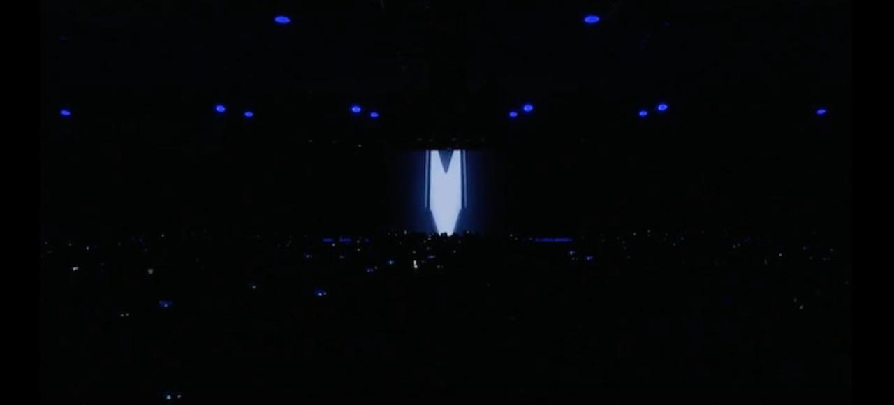 チラ見せ! Samsungの折りたたみスマホがステージに登場!