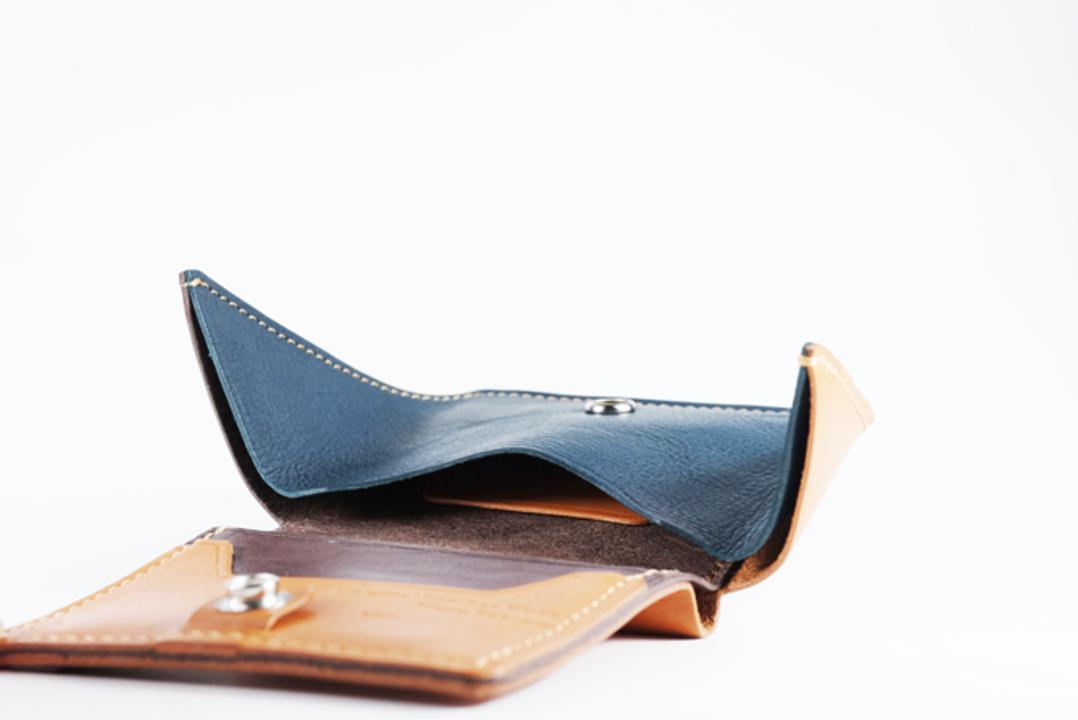 お財布に翼を授けると使いやすい?形状がユニークなレザーウォレット「Stingray(スティングレイ)」がキャンペーン開始