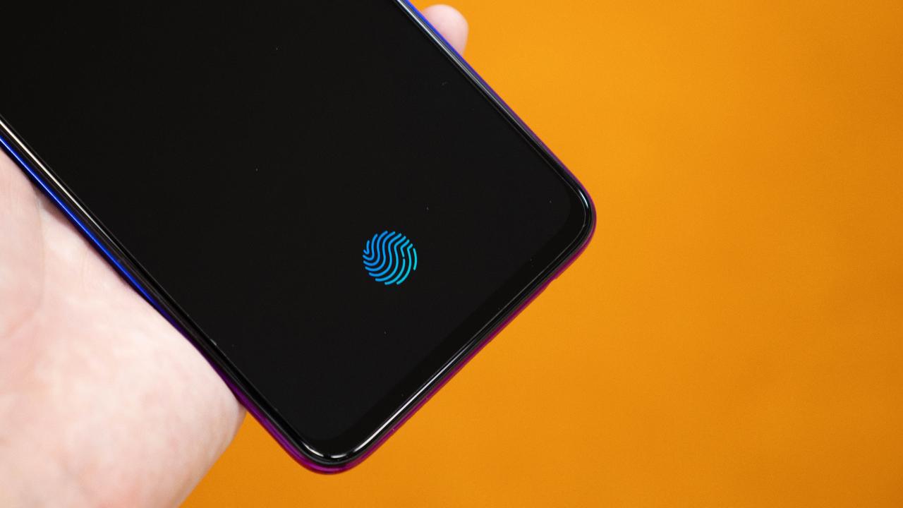 OPPO R17 Neo 動画ハンズオン:ディスプレイ指紋センサーを搭載した格安スマホは「2台目の貴公子」