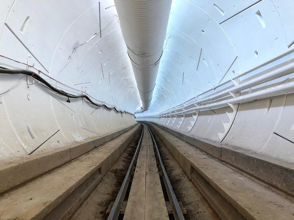 ロサンゼルスで掘っていたThe Boring Companyのトンネルが開通!