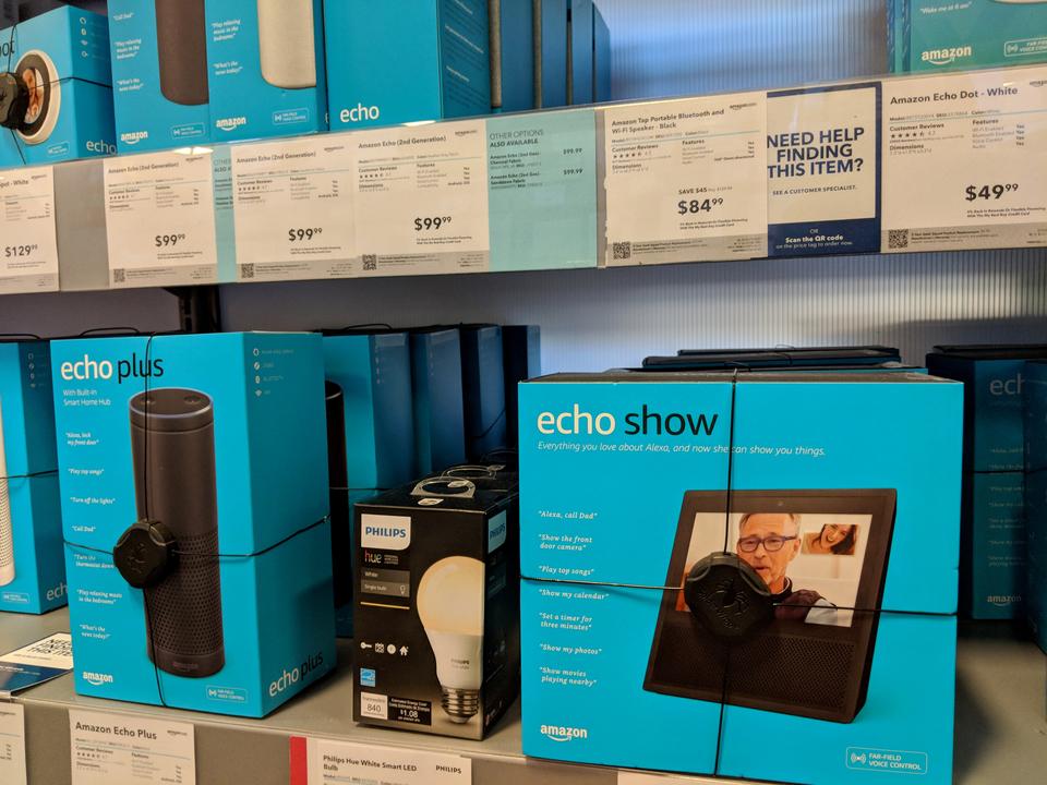 Microsoftの店舗で「Amazon Echo」が売っているらしい…