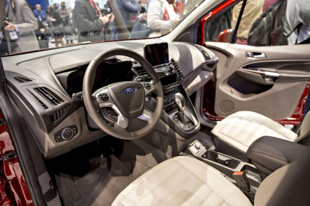 Ford、「スマート天日干し」を特許化。イヤな新車の香りを撲滅