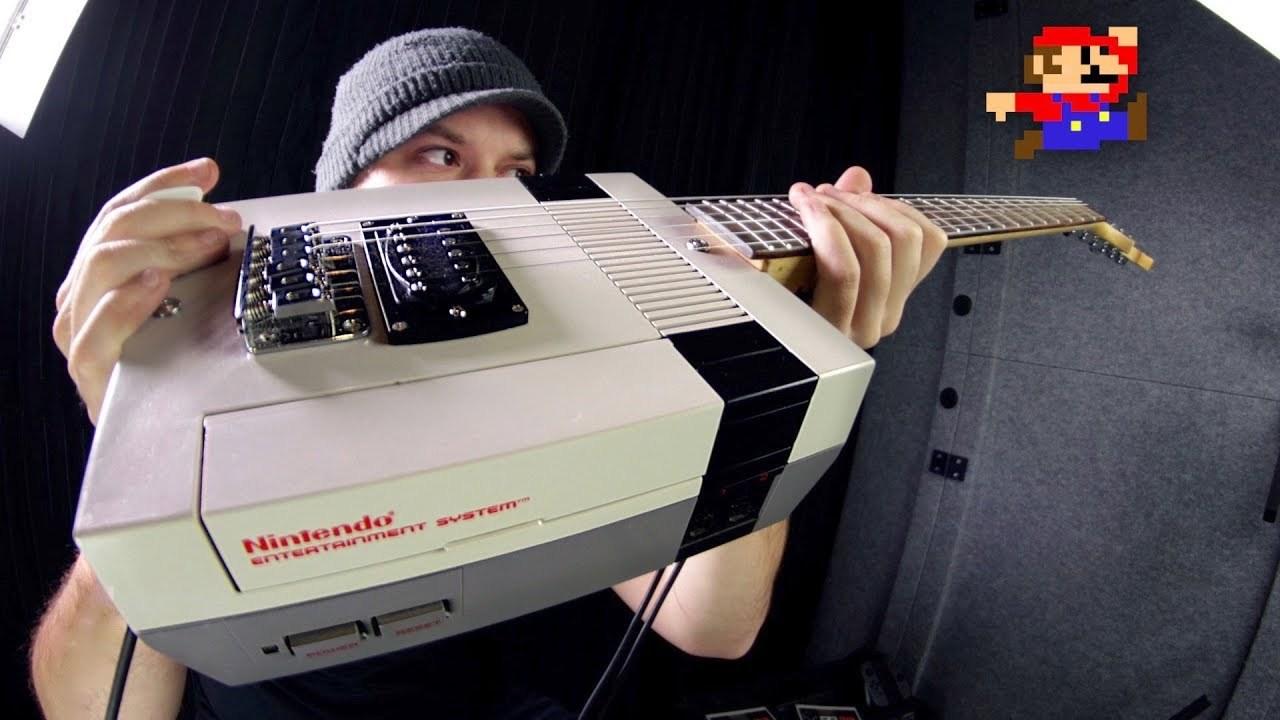 ゲームも動くファミコンギターでマリオの曲をプレイ。そりゃあ最高でしょ