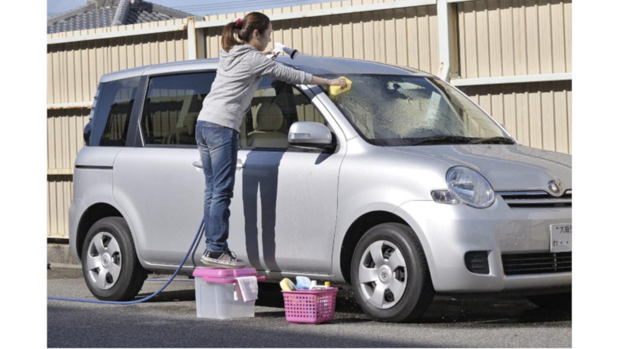 ひとつで何役も使える! かしこいバケツは、掃除や収納に大活躍しそう