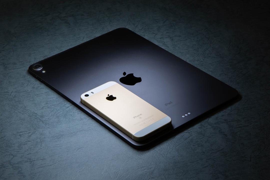 ジョナサン・アイブに訊いた新iPad Proのデザイン「iPhone 5の頃に、戻りましたよね?」