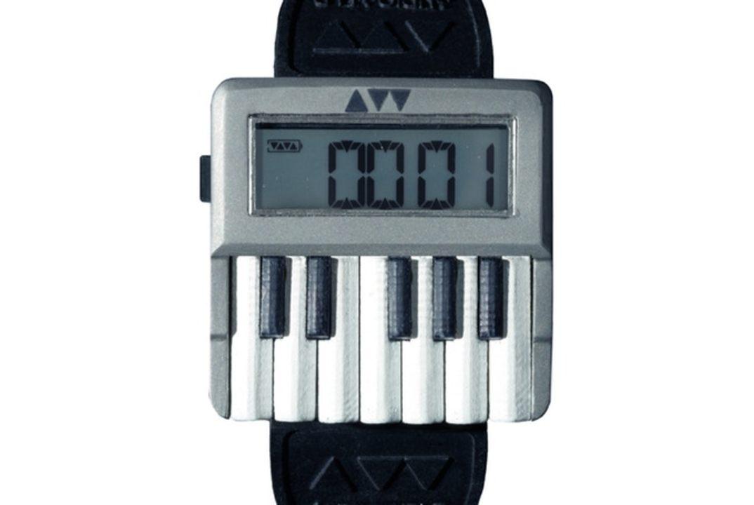 世界初、押せる鍵盤をそなえる腕時計型シンセサイザー「Synthwatch」登場