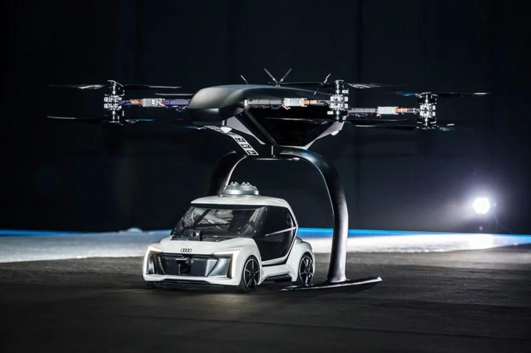 自律運転車とドローンをいったりきたり。陸と空のハイブリッドタクシーをAudiが開発中